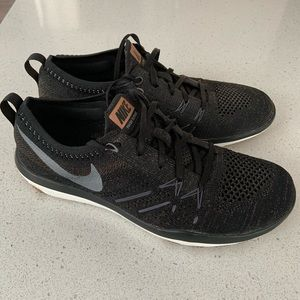 RARE COLOUR! Nike Focus Flyknit runners